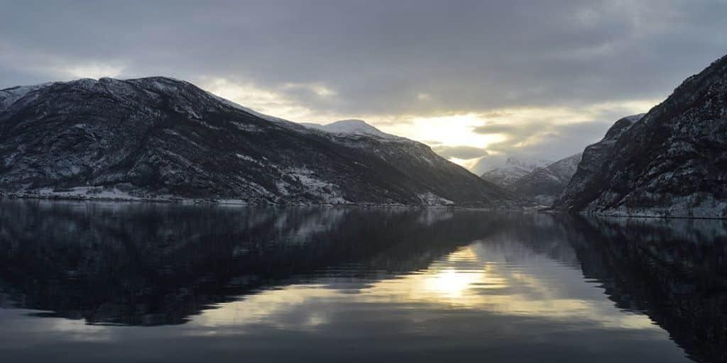 Crucero por los Fiordos Noruegos en Invierno