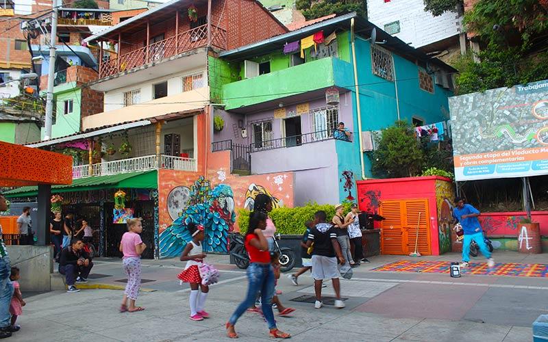 Paseando por la comuna 13 de Medellín