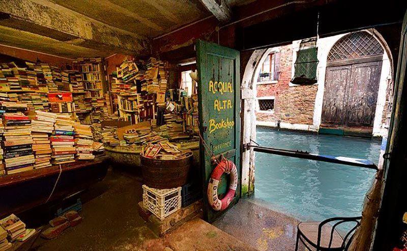 acqua-alta-libreria