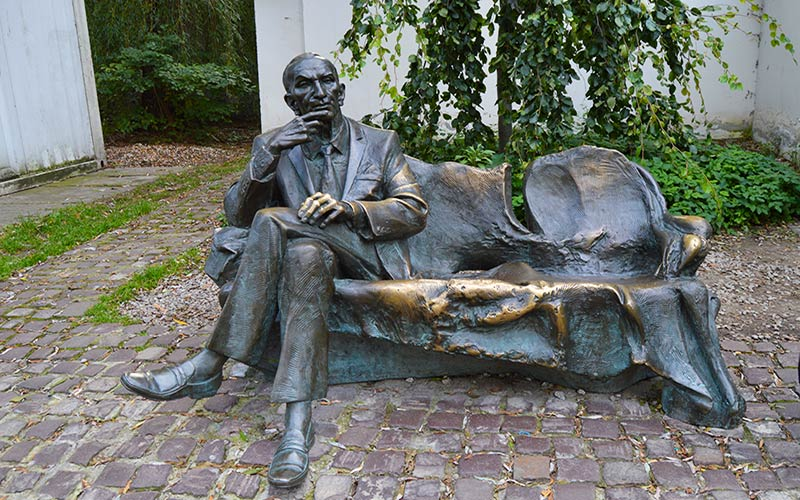 Monumento a Jan Karski Cracovia