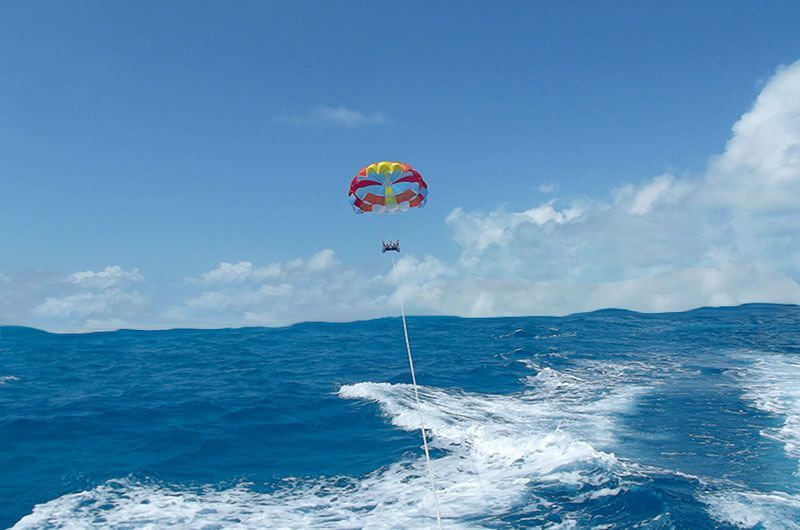 Vistas desde el parasailing en San Andrés