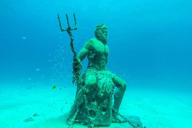 Estatua de Poseidón en San Andrés