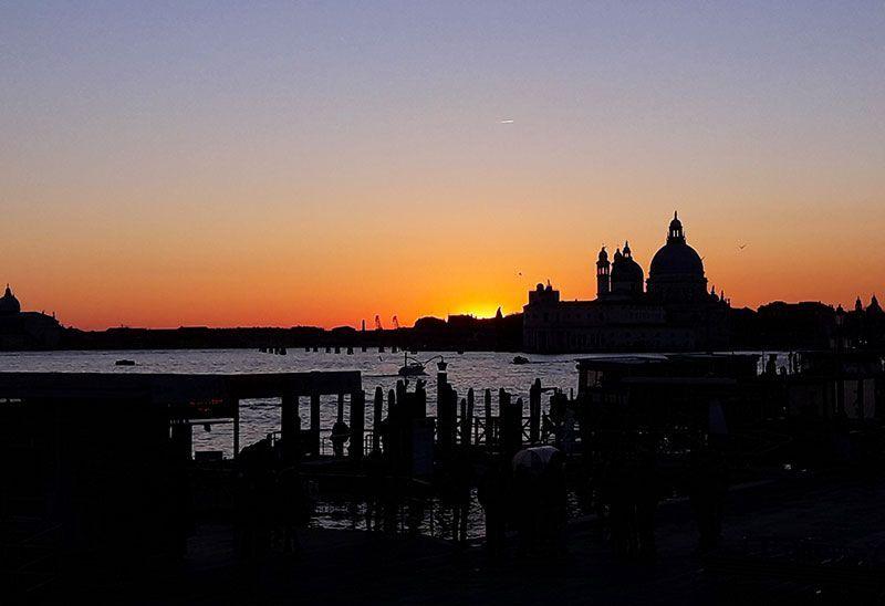 Puesta de sol en venecia