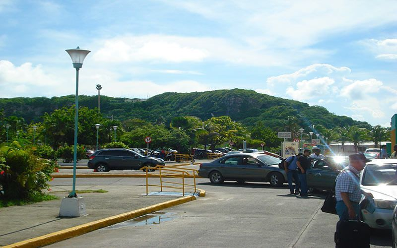 Salida del aeropuerto Gustavo Rojas Pinilla