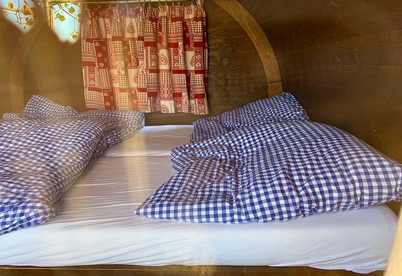 sasbachwalden dormir en barril de vino