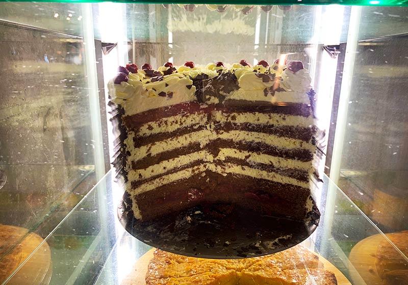 torta-selva-negra-alta