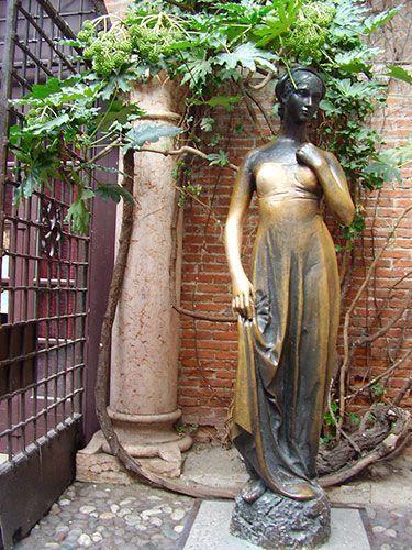 Estatua de Julieta Verona
