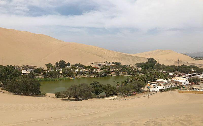 Oasis de Huacachina Peru