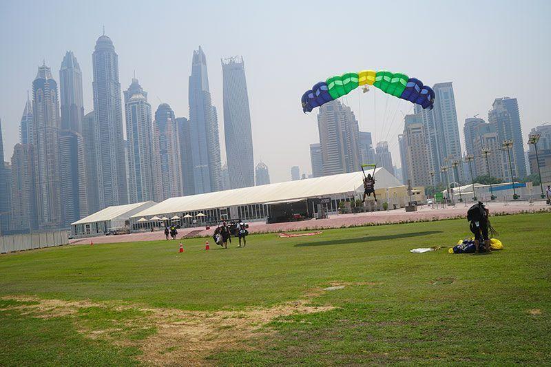 Paracaidismo en Dubai