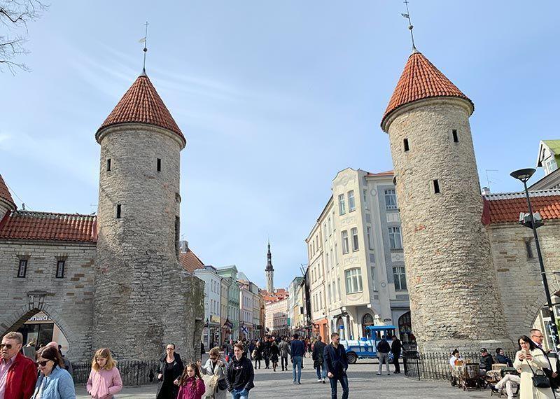 Puerta Viru Tallin