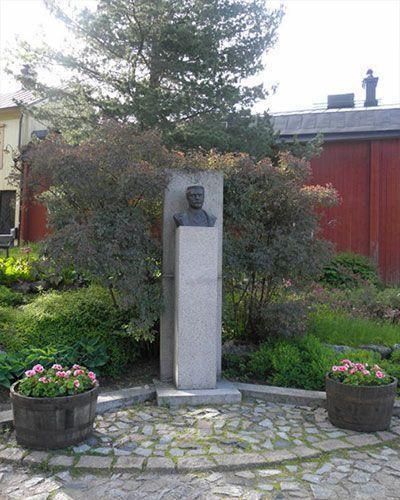 Estatua de A. Edelfelt