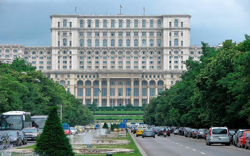 7 lugares imprescindibles que ver en Bucarest en 1 o 2 días