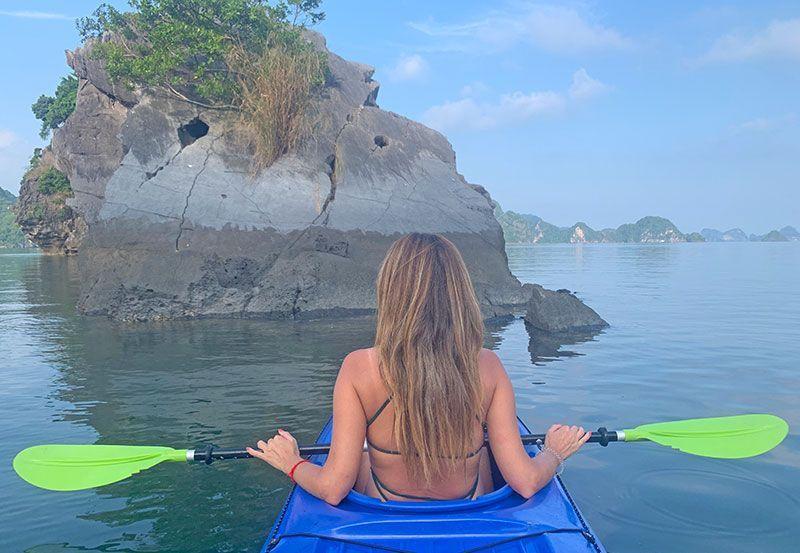 Kayac por la bahía de Halong