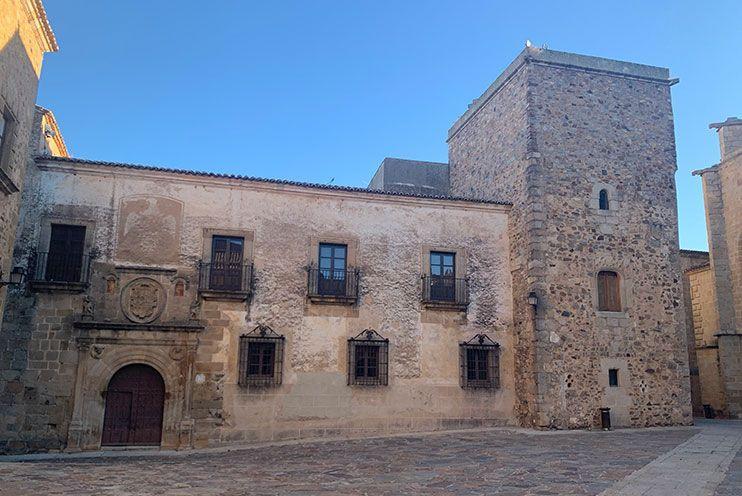 Palacio Hernando de Ovando Caceres