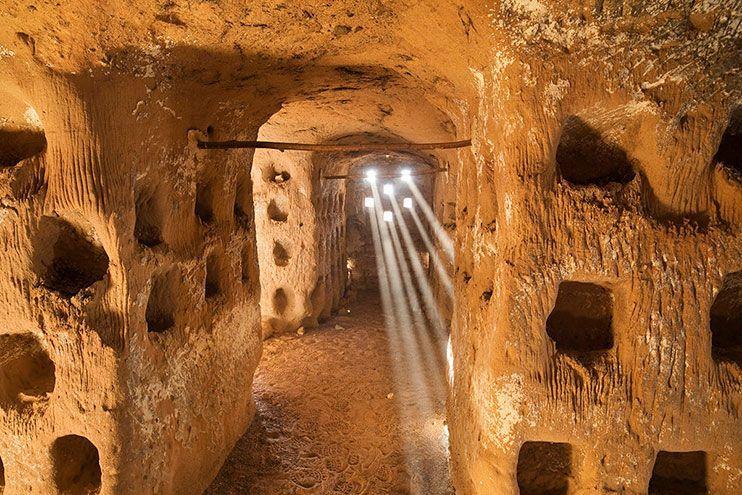 Cueva de los 100 pilares que ver en La Rioja