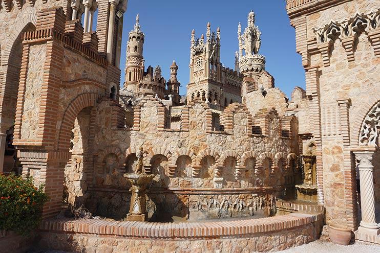 Fuente de los Novios - Castillo de Colomares
