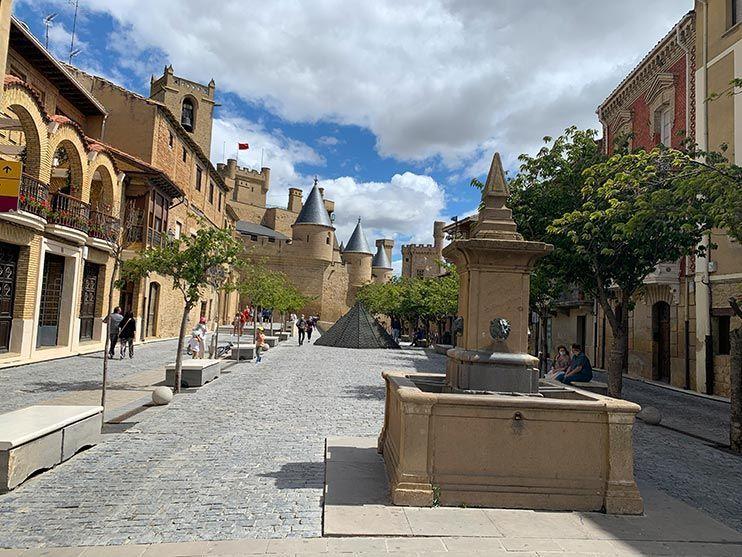 Que ver en Olite - Plaza Carlos III