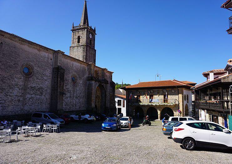 Iglesia san Cristobal y Plaza de la Constitución