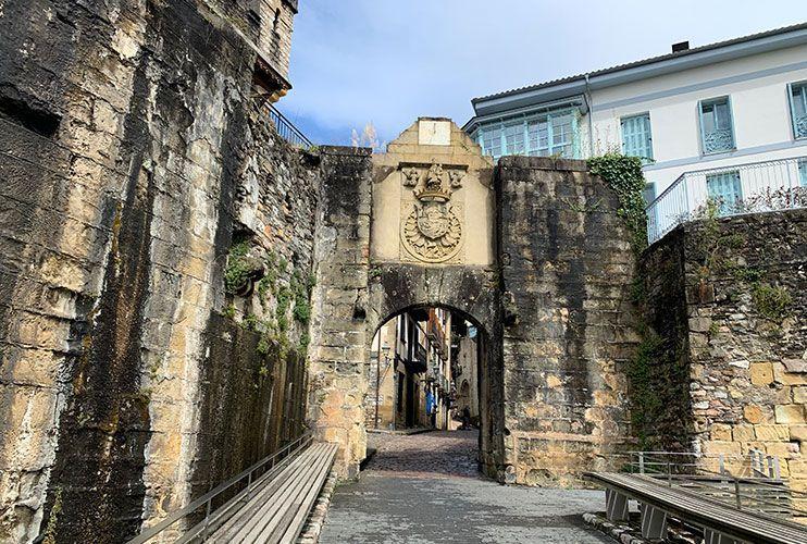 Puerta de Santa María Hondarribia