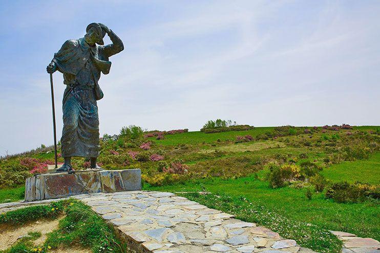Monumento al peregrino O Cebreiro