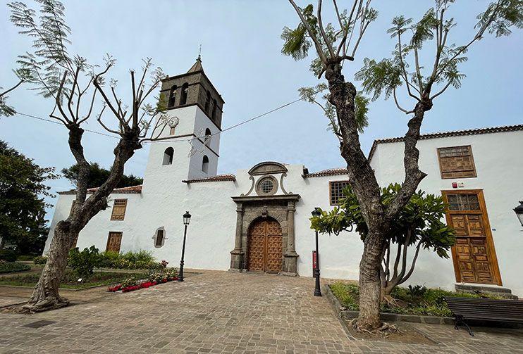 Plaza Andrés Lorenzo Cáceres que ver icod de los vinos