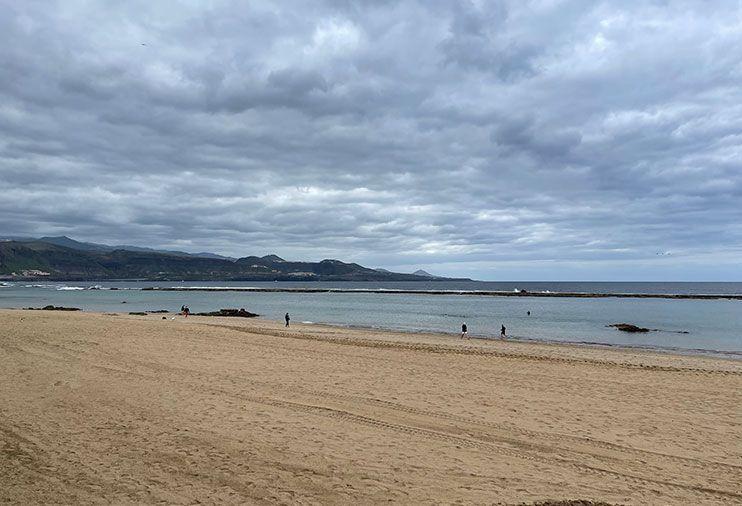 mejores Playas de gran canaria playa de Las Canteras