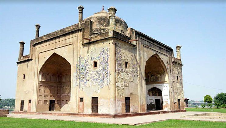 Que ver en Agra - tumba de Chini Ka Rauza