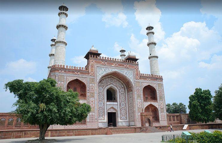 Mausoleo de Akbar