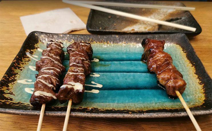 donde comer en tokio - Yakitori